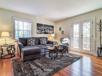 Photo for M-3N · Beautiful 1Bed-West Plaza! Top Notch Location! King Bed. Private Balcony