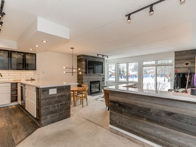 Photo for Ski In/Out, 2 Bed, Sleeps 8 at Cachet Crossing