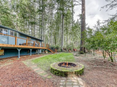Photo for NEW LISTING! Dog-friendly family home w/ free WiFi/ fire pit/ golf course front!