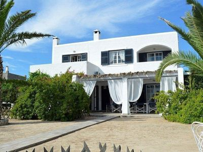 Photo for Spectacular Villa With Sea Views Near The Beach