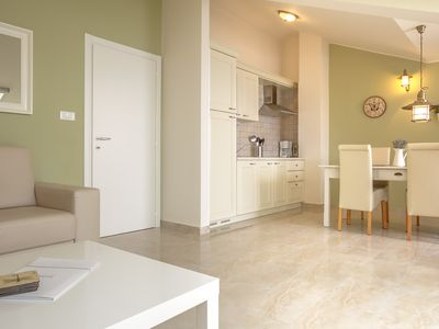 Photo for Relax a 20 m from the sea with garden, barbecue, dishwasher, air conditioning, parking