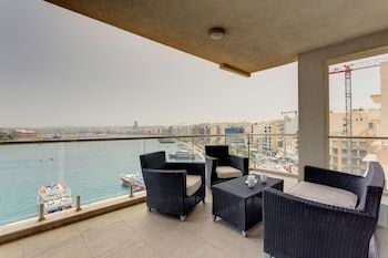 Photo for Contemporary, Luxury Apartment With Valletta and Harbour Views