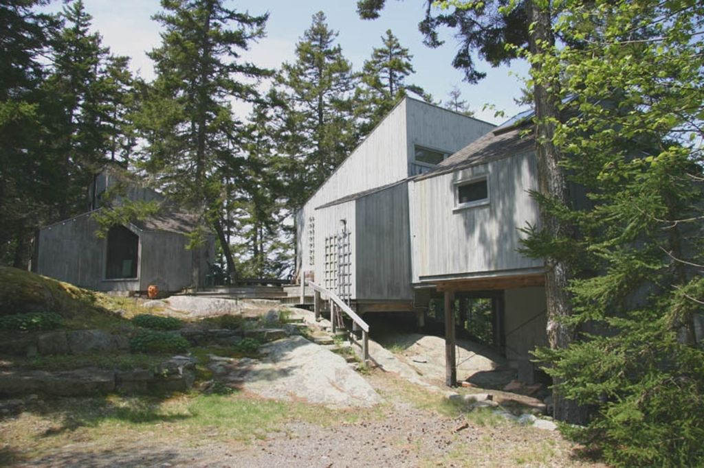 Secluded Home Offers Water Access Stunning HomeAway Bar Harbor - And architectural cottages on secluded private pond homeaway