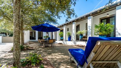 Private Courtyard - Furnished with Cozy Exteriors Furnishings