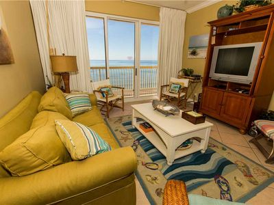 Photo for Beachy 10th Floor Ocean Front View With Nautical Style Furnishings