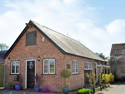 Photo for 1 bedroom property in Ringwood. Pet friendly.