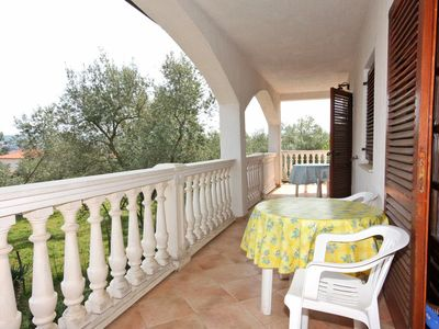 Photo for Two bedroom apartment with terrace and sea view Porat (Krk)