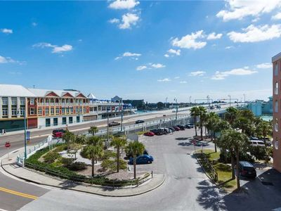 Photo for Great Large Corner Unit by John's Pass Upgraded, In Beach Front Complex - Free Wifi