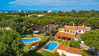 Photo for Private Villa with Swimming pool in Vilamoura - ideal for big families