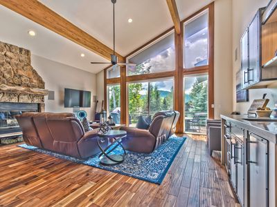 Photo for CDC Approved Cleaning! Floor to Vaulted Ceiling Mountain Views. Modern Luxe, Peaceful Neighborhood