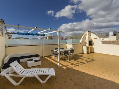Photo for Air-Conditioned Holiday Apartment with Rooftop Terrace, Mountain View & Wi-Fi