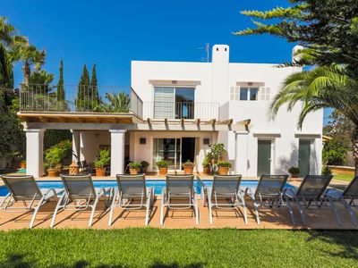Photo for Villa for 8 people, close to beach, private pool, central location
