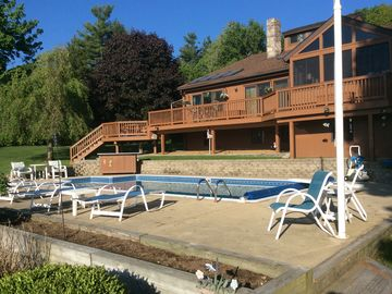 Your ticket to relaxation- Amazing waterfront house with an in ground pool!
