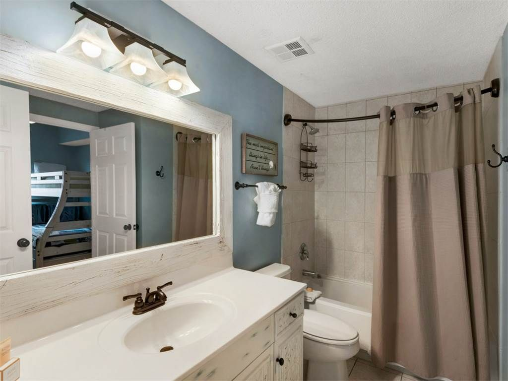 Majestic Sun A0413: 2 BR / 2 BA condominium in Miramar Beach, Sleeps 9
