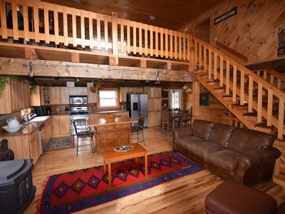 Photo for Beautiful secluded lodge, weekly rates, hot tub, WIFI, your personal concierge