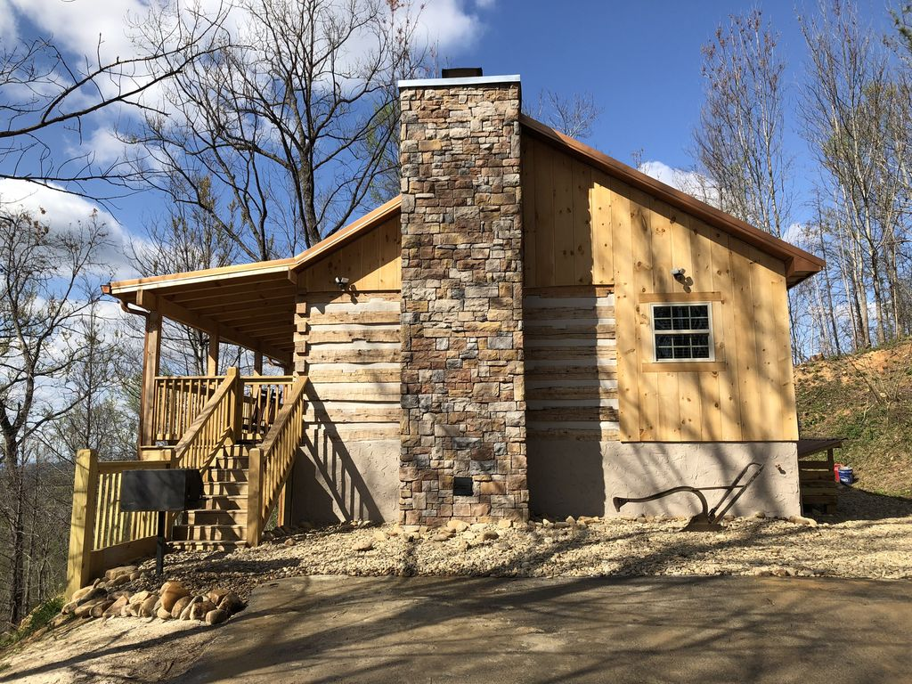 Honeymoon hideaway romantic antico log ca homeaway for Cabina di brezza autunnale gatlinburg