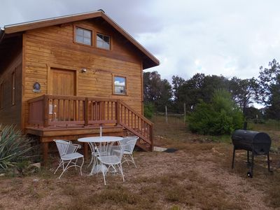 Glamping, off-grid adventure at our peace-friendly cabin on 10 acres all for you