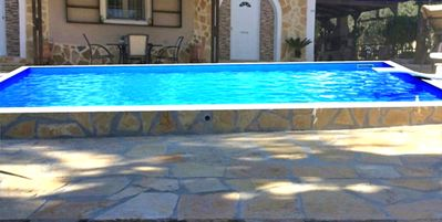 Photo for Apartment with private pool 150 m from the sea
