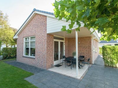 Cozy bungalow with a spacious garden at 1.2 km. from the sea