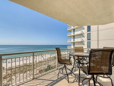 Photo for Gorgeous & cozy beachfront condo w/ a shared pool, pool spa, & beach access