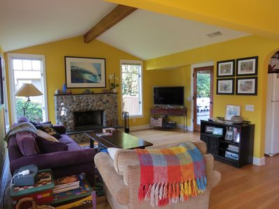 Pet friendly beach cottage close to everything in Old Encinitas