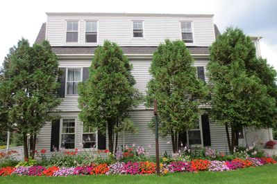 New England 1890 House with water views over Mill Cove. Only 5 mins walk to town