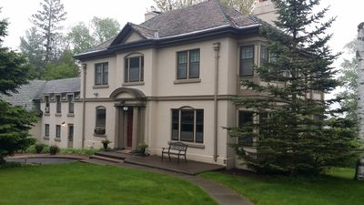 Hawthorne Manor - Large home and yard. Views of Lake Superior.