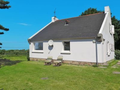 Photo for Vacation home in Guisseny, Finistère - 6 persons, 3 bedrooms