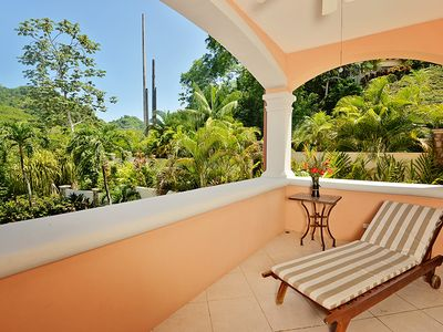 Photo for Ground floor, 2000 sq. ft, 3 bed, 2 bath, outdoor dining, rain forest views!