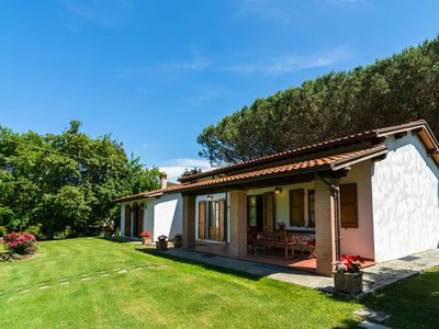 Photo for Agriturismo with garden, private terrace, panoramic pool, organic wine