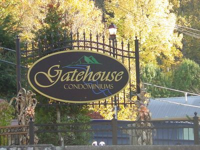 Enjoy your trip to Gatlinburg while you stay in the beautiful Gatehouse Condos