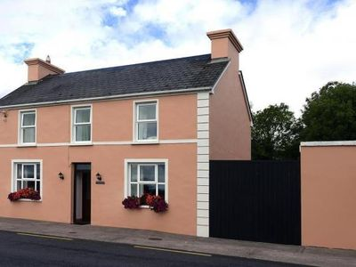 Photo for holiday home, Castlemaine  in Kerry - 6 persons, 3 bedrooms