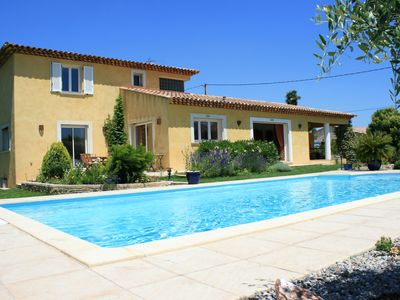 Photo for Superb provencal villa 200 m² 4 bedrooms fenced, quiet pool 10mx5