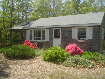 Hidden Hideaway ~ a real treasure. Private location, spacious sunroom, fire pit.