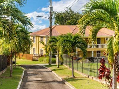 Photo for Emerald Woods 1 located in quiet gated cul de sac of 3 properties wifi/pool