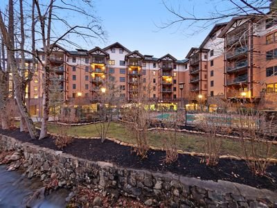 Photo for Deluxe downtown condo w/ fireplace, jetted tub & shared pool/hot tub!