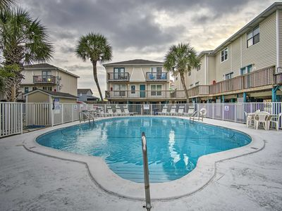 Photo for Gulf Shores Condo w/Pool Access - Steps from Beach