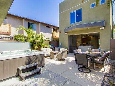 The Thomas! Live in Luxury w/ a Hot Tub, A/C, Multiple Outdoor Areas, & 4 Blocks to Beach
