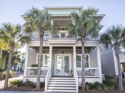Photo for PERFECT FOR FAMILY VACATION! OPEN 8/11-17! CLOSE TO THE POOL!