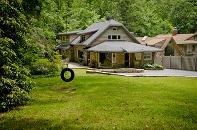 Front of cottage from Mississippi Road. Nice yard for relaxing.