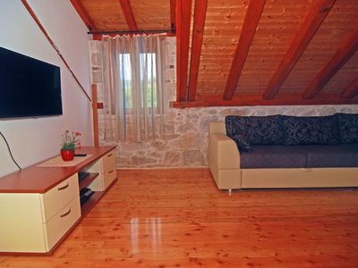 Photo for Apartment in the center of Trogir with Air conditioning, Parking, Washing machine (452017)