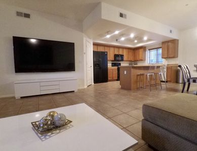 Photo for Spacious 3 bedroom townhouse - Near Come Cubs Spring Training stadium