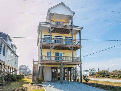 Photo for Off the Hook: 4 BR / 3.5 BA house in North Topsail Beach, Sleeps 14