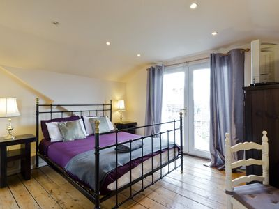 Photo for MAIDENHEAD contractor accommodation sleeps 4 in own beds, near Windsor A4 M4