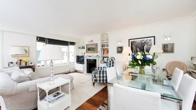 Photo for Lovely 2BR Mews House in Kensington