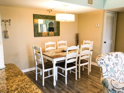 Dining Area with Seating for 6, With Additional Seating at Kitchen Island!