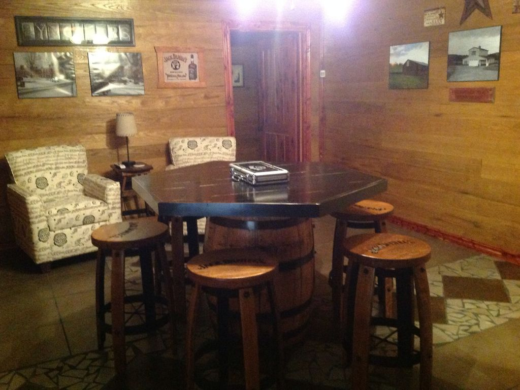 Property Image#9 Cedar Cabin Three Miles From Historic Jack Daniels  Distillery