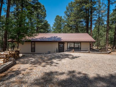 Photo for 14 Pin, Wooded Area, Hot Tub, Pool Table, Close To Ski Area