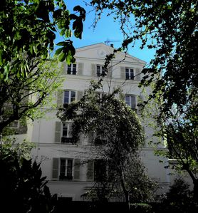Photo for Montmartre Beautiful Apartment in a Secret Garden