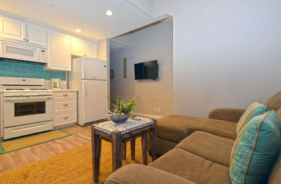 359-Sumner-C---Living-Area-with-TV